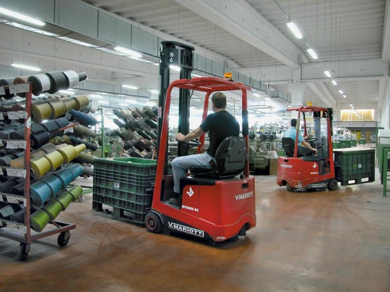 Mycros series mariotti forklifts compact narrow aisle for Csc motor co inc girard il